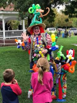 Dilly Dally the clown entertains the kids